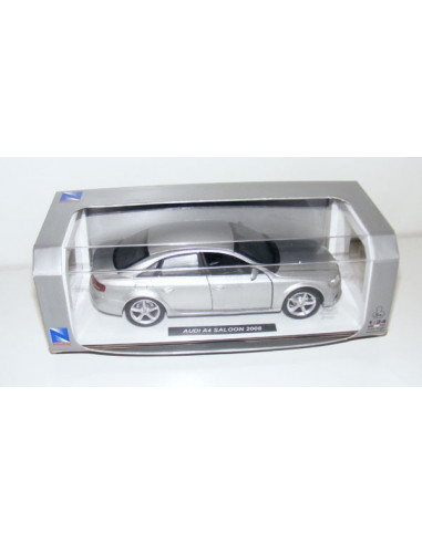 Audi A4 Saloon 2008 autómodell- 1:24- New Ray